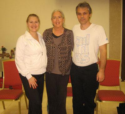 Даяна Хоуг (Diane Haug) в центре. Ирина и Сергей Попроцкие.